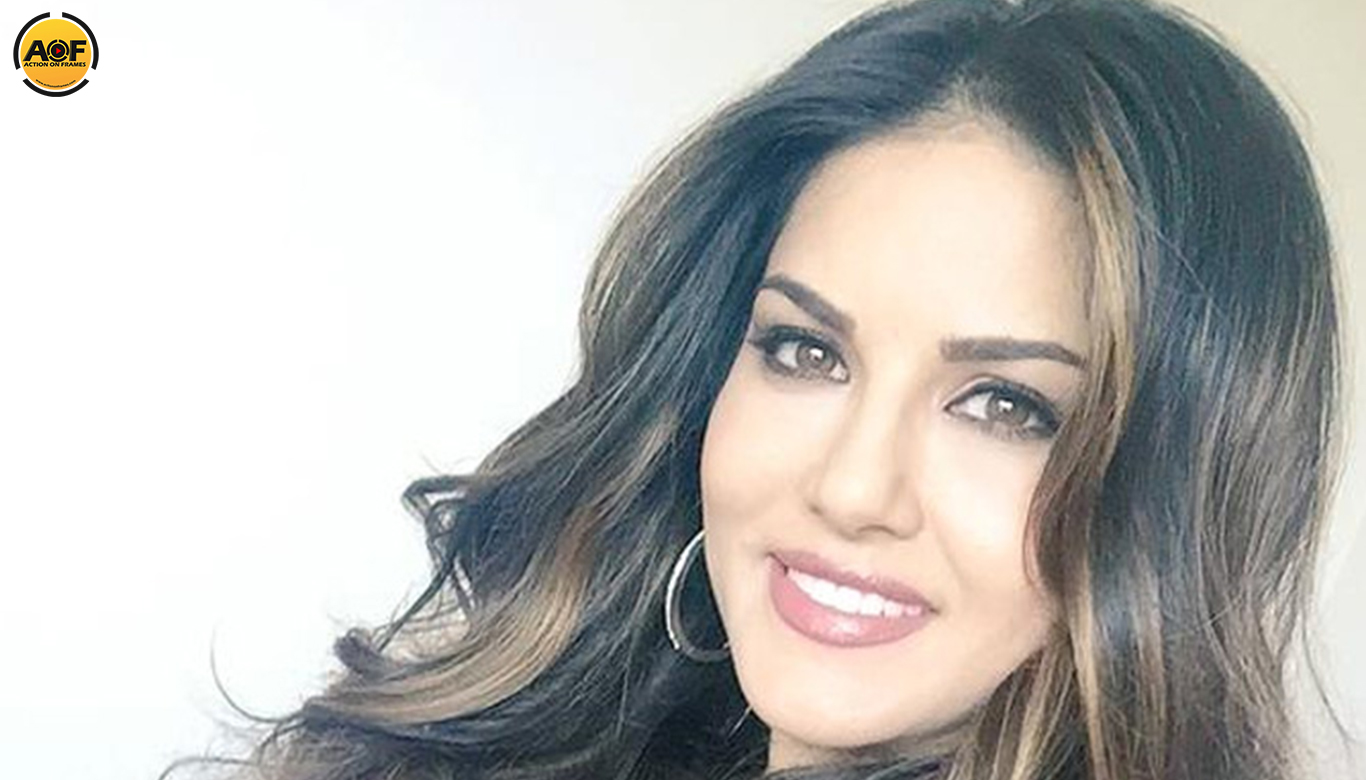 Hot actress Sunny Leone Not In Mohanlal's Movie