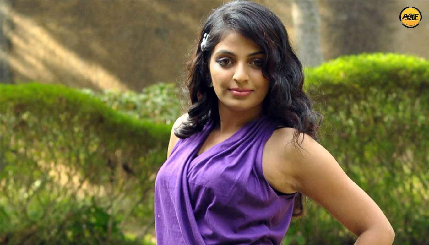 Mythili replaces sruthy menon