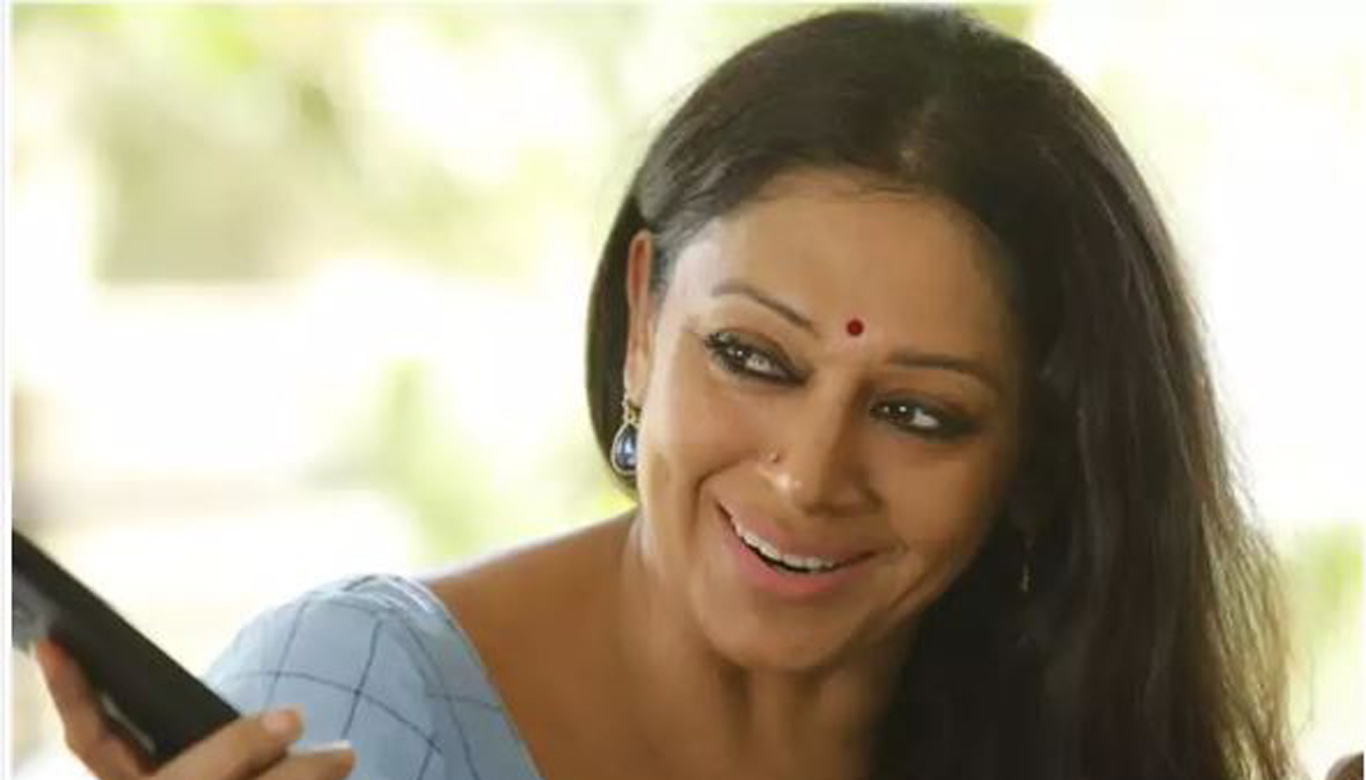 Shobana speaks about her comeback movie  Varane Avashyamund