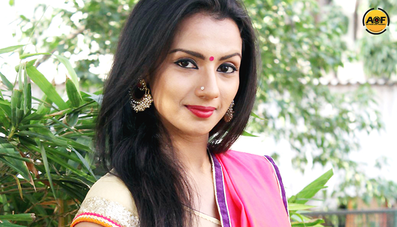 Sruthi Hariharan come Back to Mollywood With Dulquer salmaan