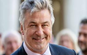 Alec Baldwin calls virus on Donald Trump