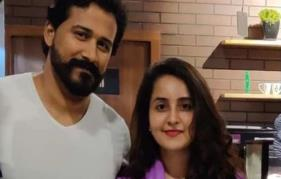 Bhama shares a beautiful picture with her hubby Arun