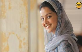 Don't mix politics in Aamy Manju warrier