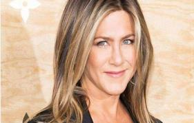 Jennifer Aniston shocks optimistic coronavirus nurse with $10 G gift card