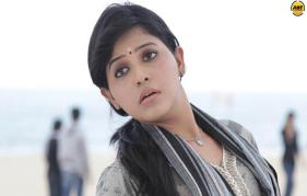 Kollywood actress Anjali Starts Shooting For Biju Menons Rosapoo
