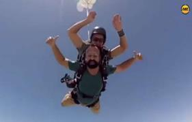 Kunchacko Boban does skydiving to promote 'Ramante Eden Thottam'