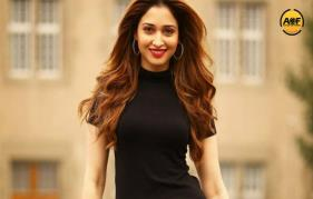 Tamannaah again in to Bollywood