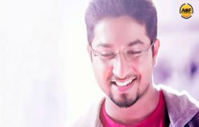 Vineeth Next titled as Aana alarodalaral